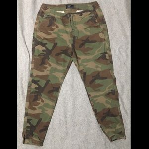 Mens Abercrombie & Fitch Camo Joggers Large
